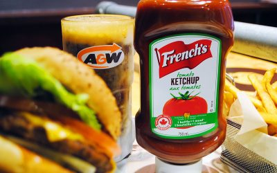 La franchise A&W choisit le ketchup et la moutarde French's!
